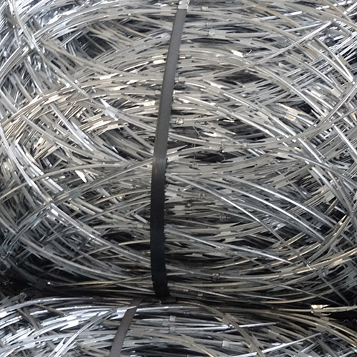 Flat Wrapped Razor Wire -smooth wire mesh fence