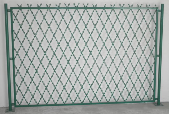 Top Selling High Quality Welded Razor Barbed Wire Mesh