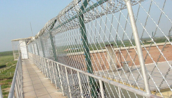 Introduction of Welded Razor Wire Mesh